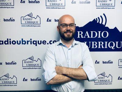 Photo of José Antonio Bautista defiende su programa de Servicios Sociales y su apoyo a la marroquinería en Radio Ubrique